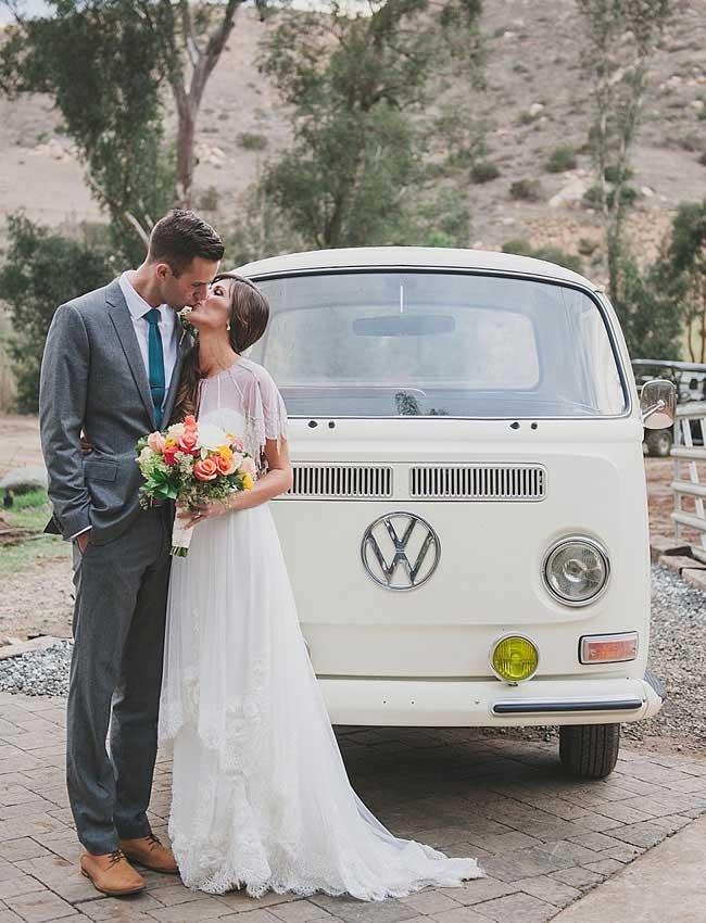 Volkswagen busje als origineel trouwvervoer
