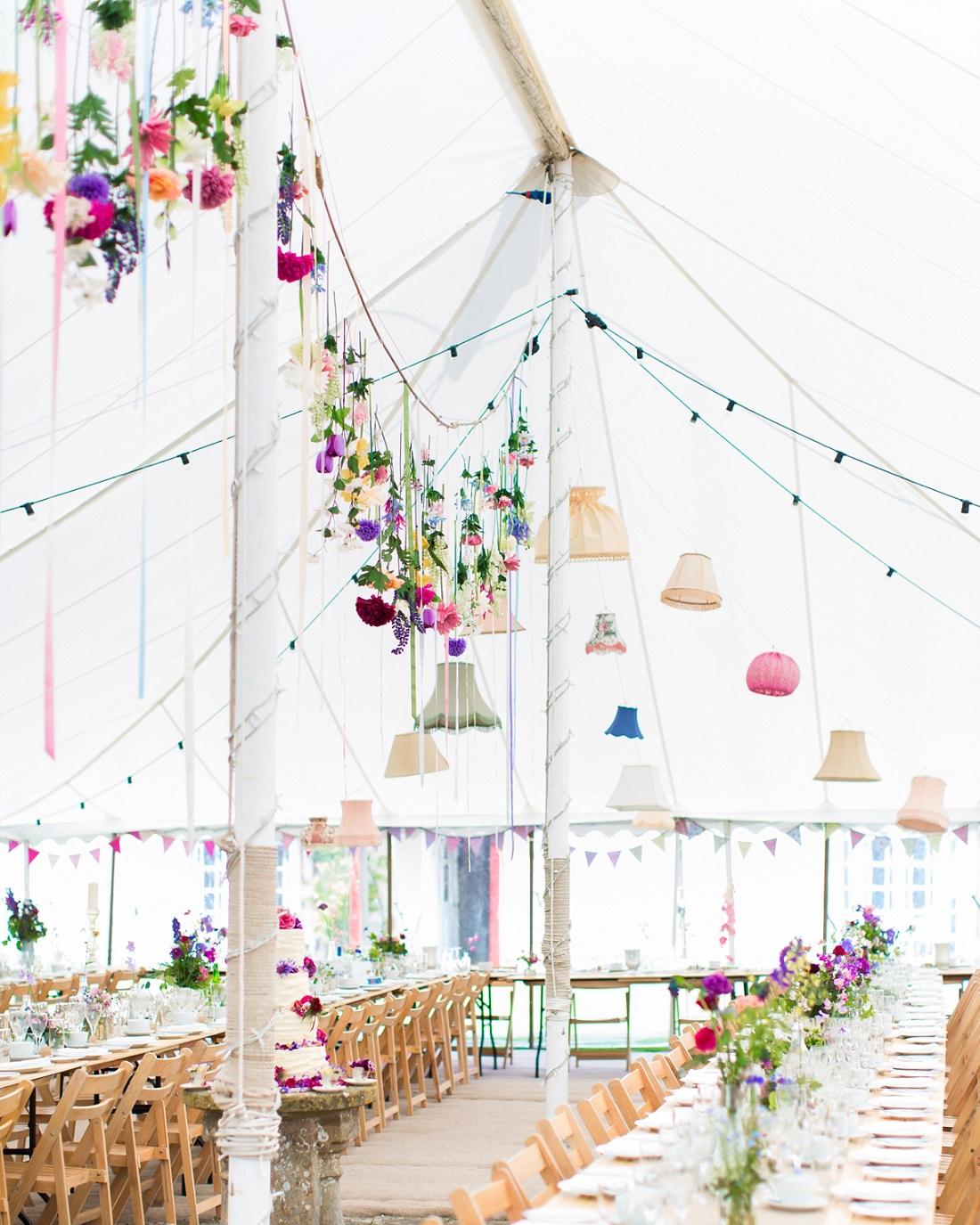 Decoratie voor de bruiloft tent