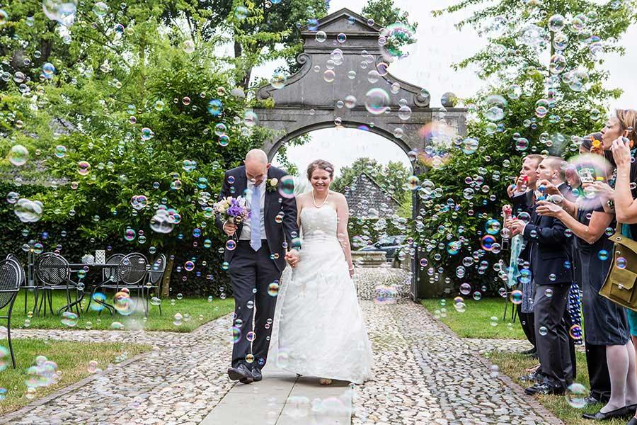 Bellenblazen op bruiloft
