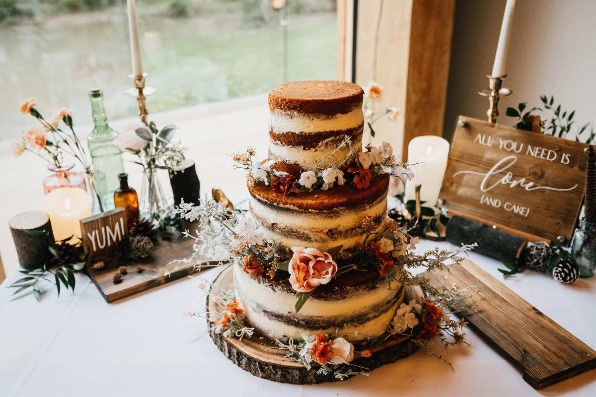 Naked cake als bruidstaart