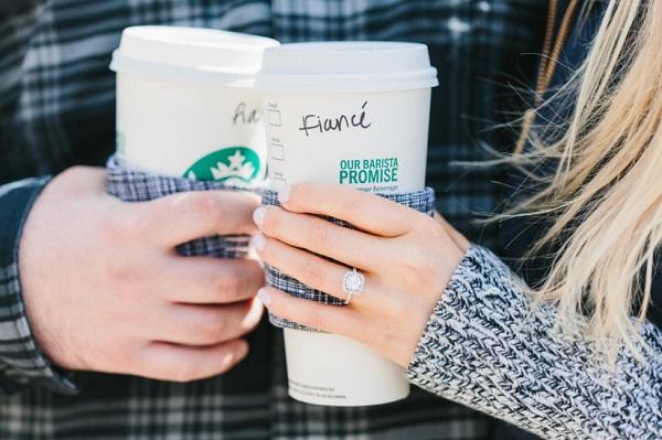 Starbucks verloving bekendmaken