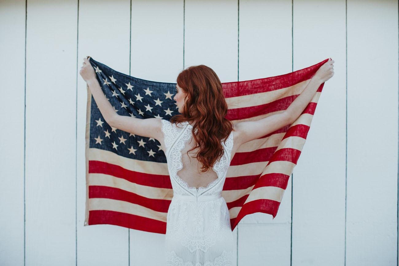 Bruid met Amerikaanse vlag