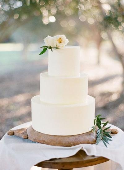 Minimalistische bruidstaarten