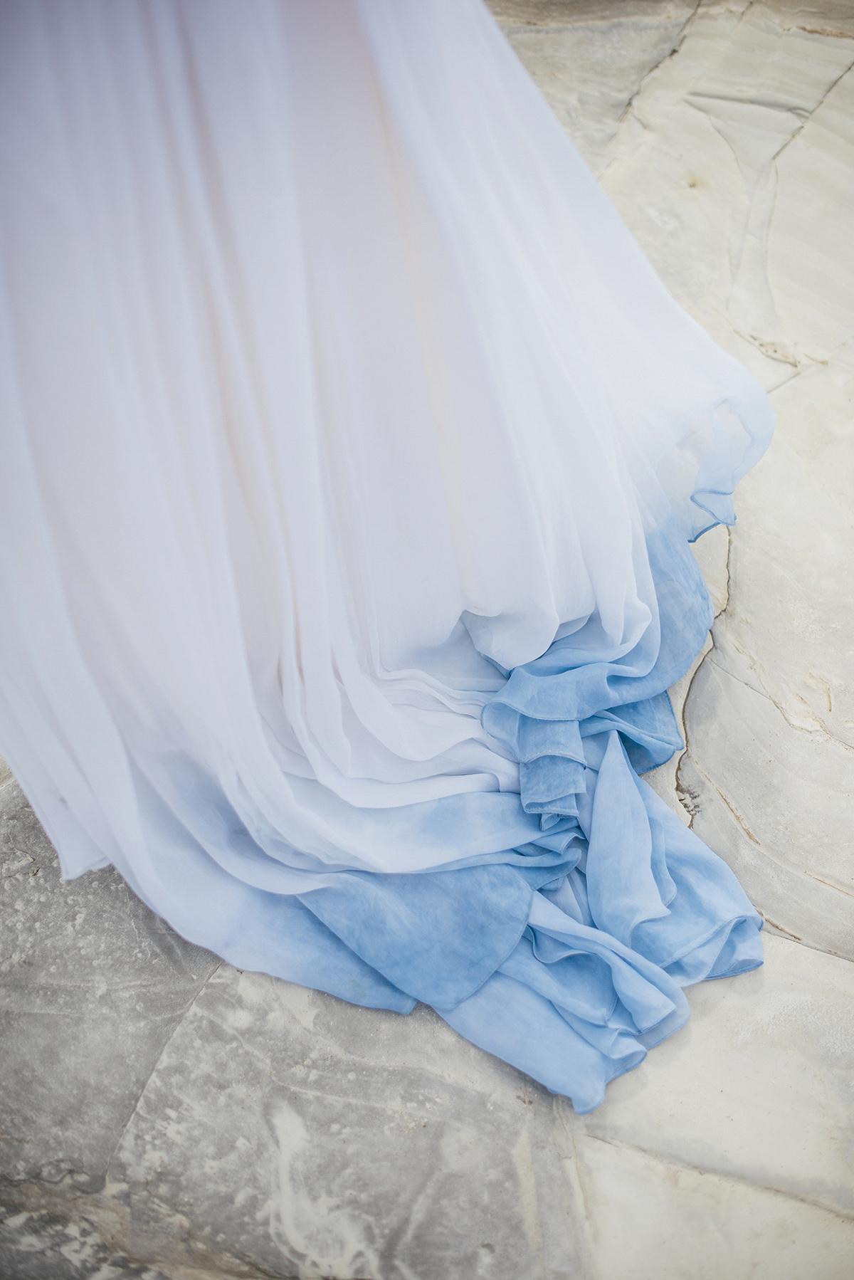 Something blue trouwjurk