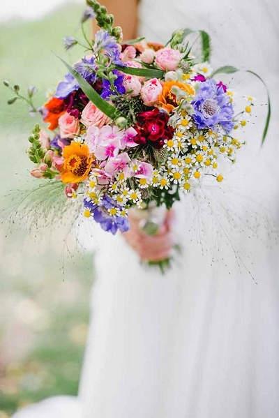 Wilde bloemen bruidsboeket