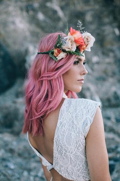Bruid met roze haar