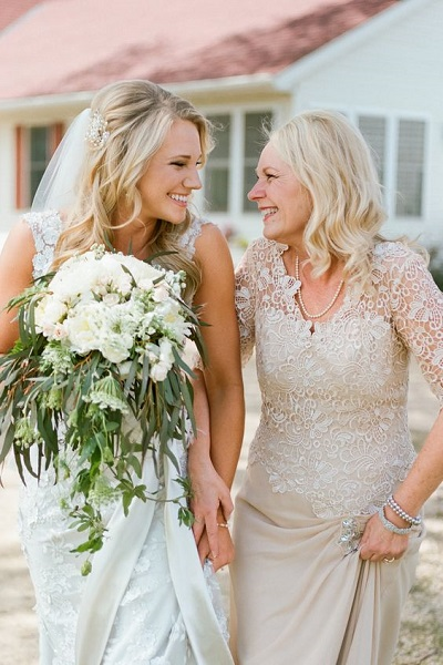 Bruid met haar moeder