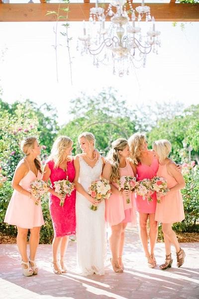 Summerchic bruiloft dresscode