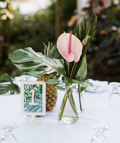 Tropical bruiloft decoratie