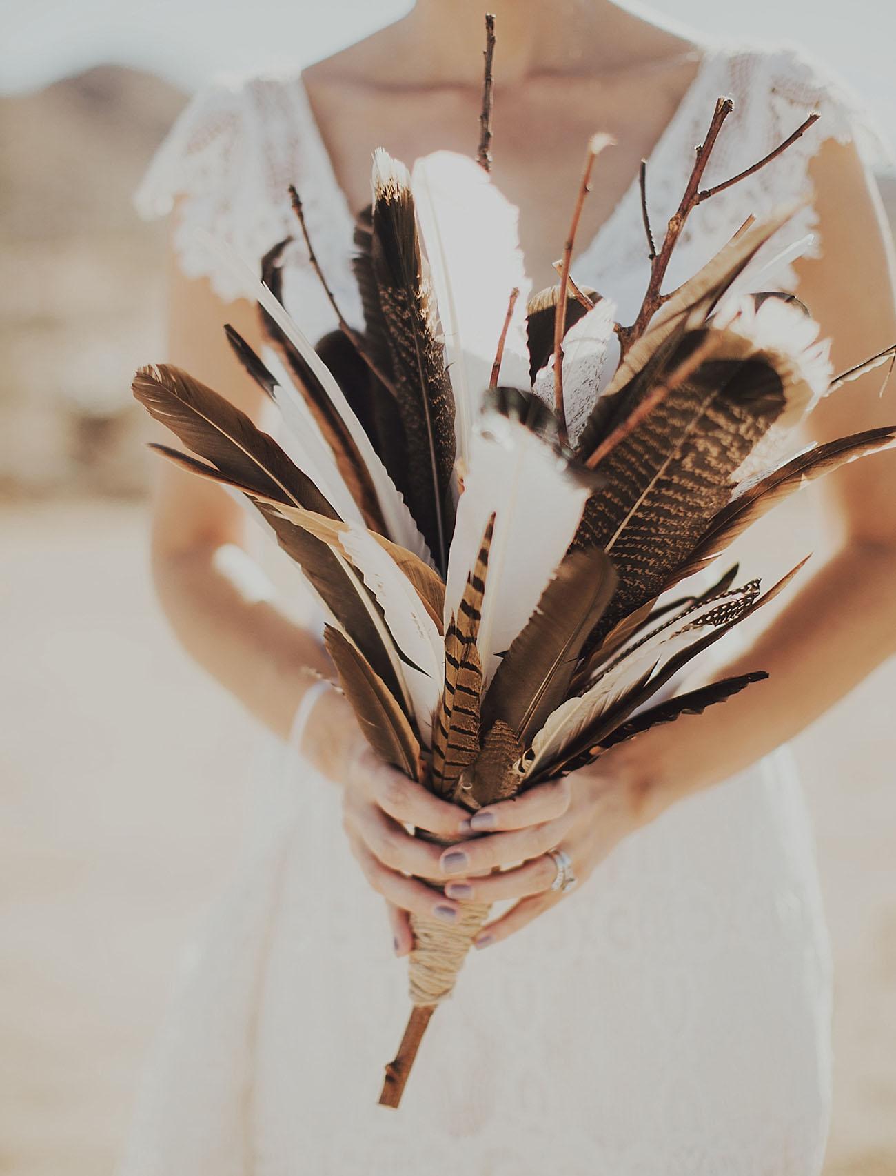 Bruidsboeket gemaakt van veren