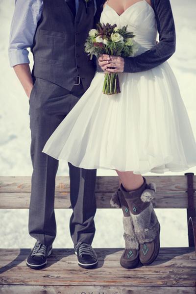 Laarzen op een winter bruiloft