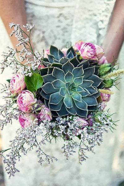Bruidsboeket met grote vetplant