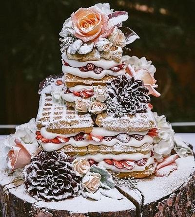 Winterse bruidstaart met wafels
