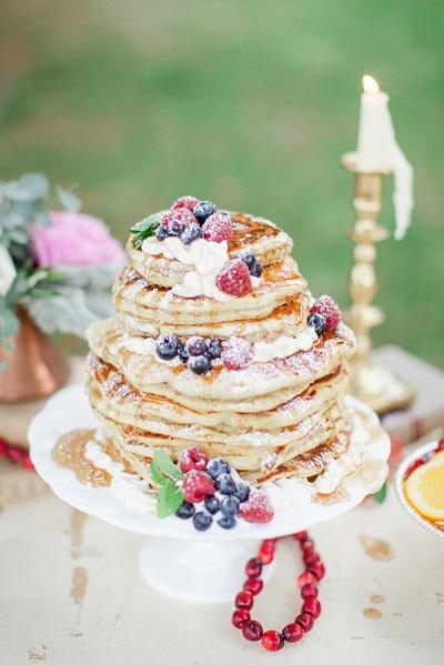 Pannenkoeken bruidstaart met vruchten