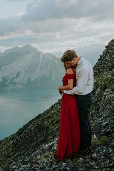 Verlovingsshoot in de bergen