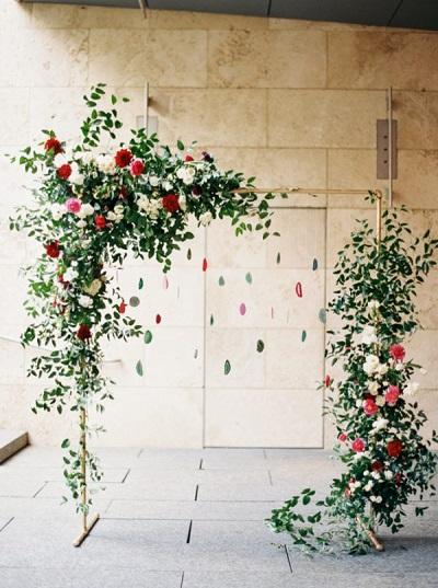 Bruiloft backdrops met bloemen