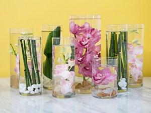 Bloemen onder water als centerpieces