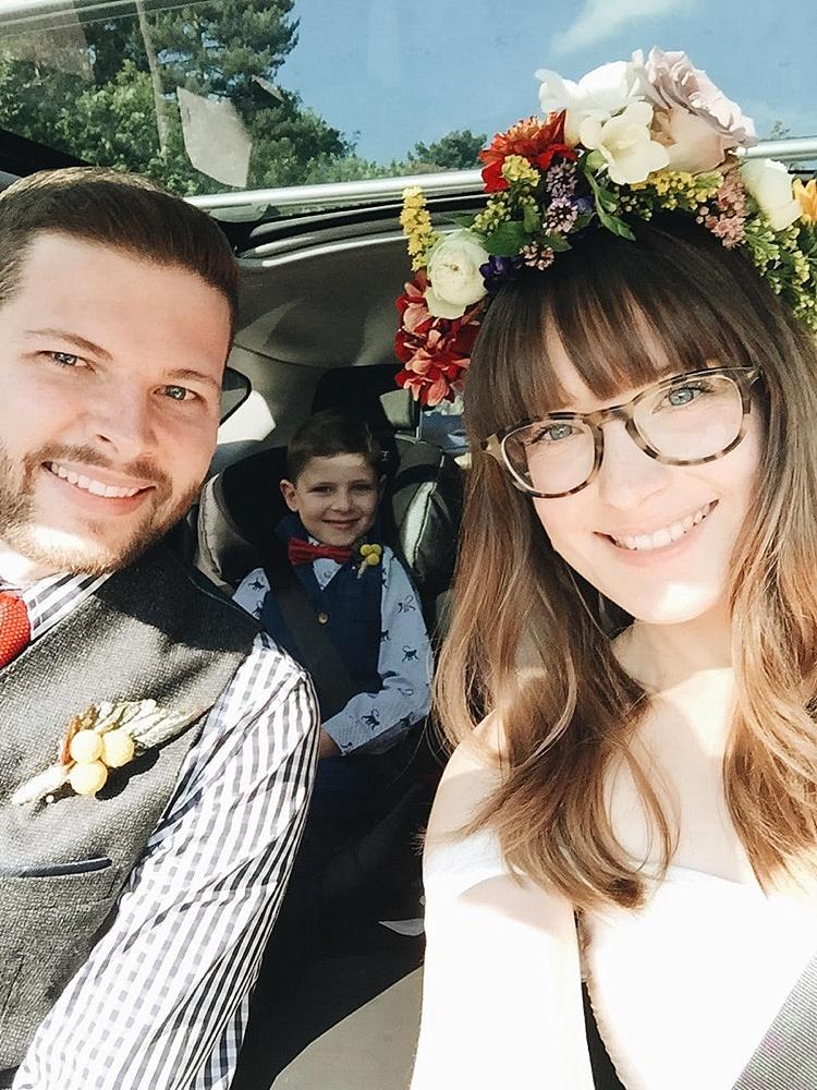Bruiloft selfie met hele gezin