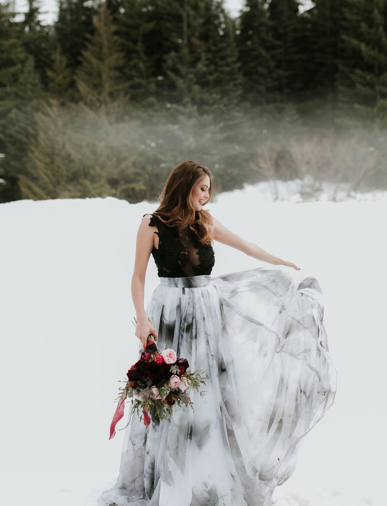 Zwart met witte trouwjurk