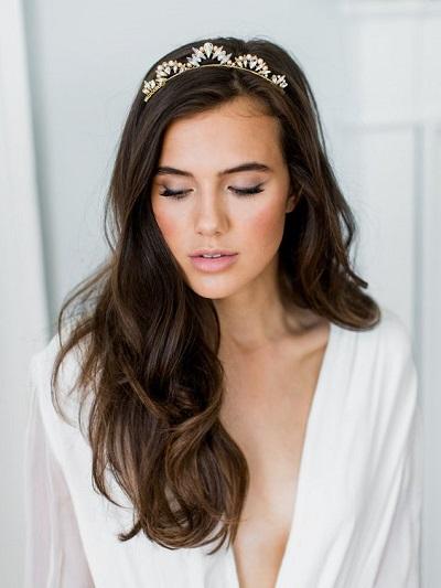 Bruid met weinig bruidsmake-up
