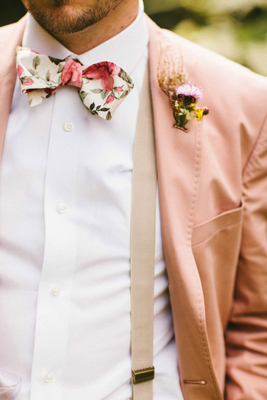 Bruiloft gast man in summer chic kleding