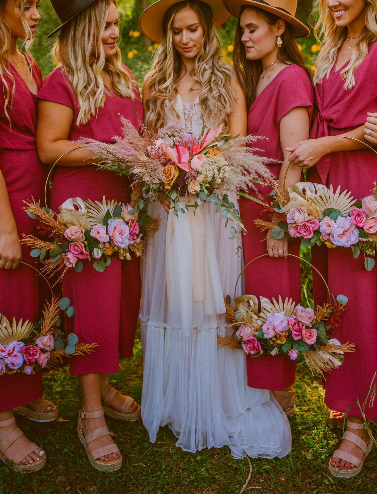 Bruiloft met een roze kleurenthema