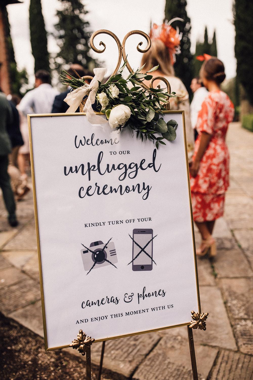 Tekst geen social media op de bruiloft