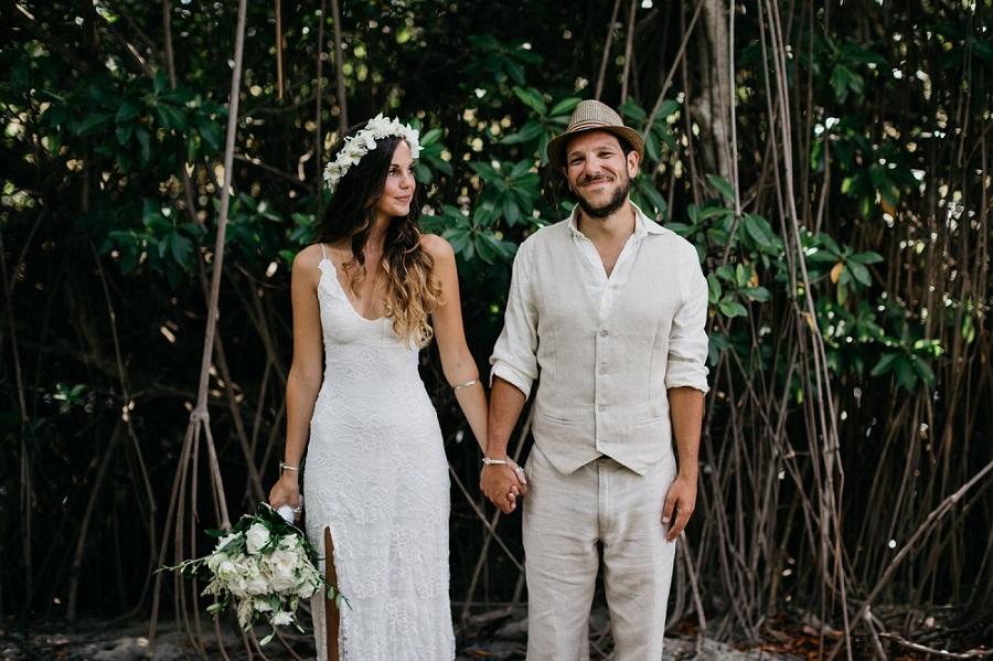 Bruidspaar hand in hand