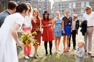 Gasten op de bruiloft