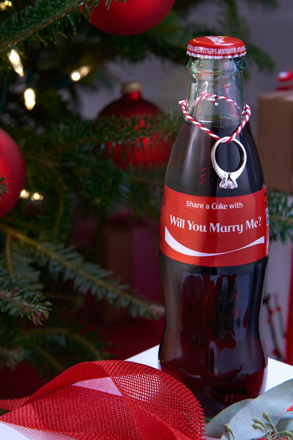 Huwelijksaanzoek met Coca-Cola