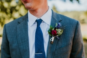 Bruidegom met corsage
