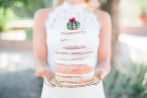 Bruidstaart met cactus taarttopper