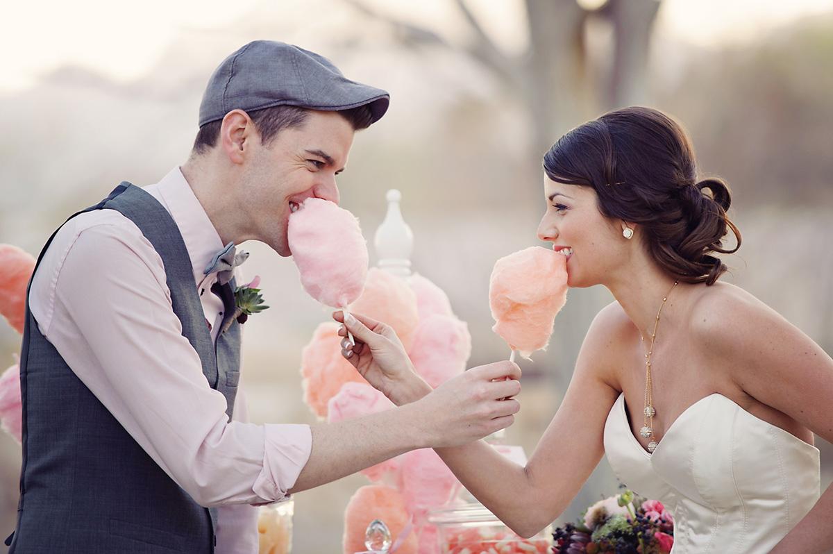 Vintage bruiloft met suikerspin
