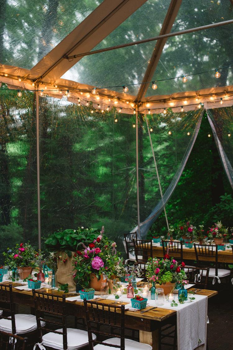 Regen op een bruiloft tent