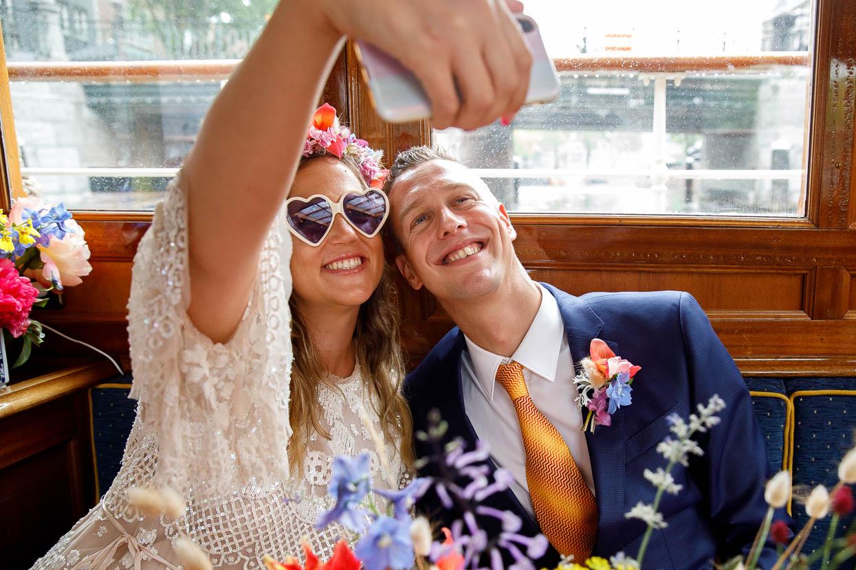 Selfie van het bruidspaar