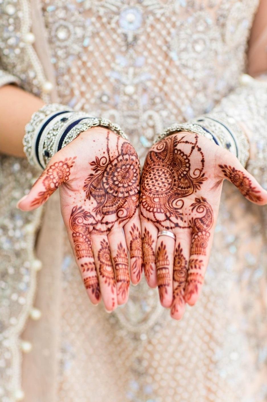 Bridal henna op de handen