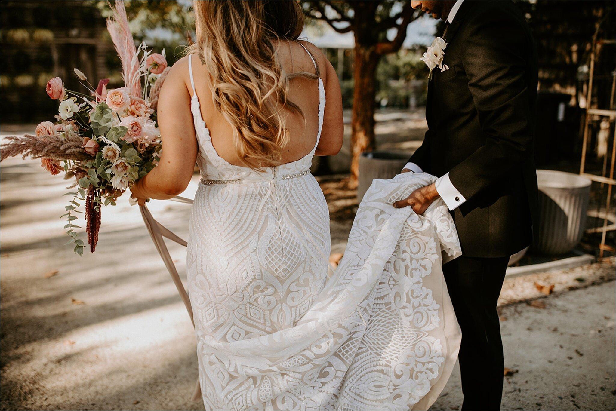 Bruid met witte trouwjurk