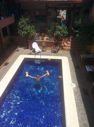 Full Moon Hotel Granada.