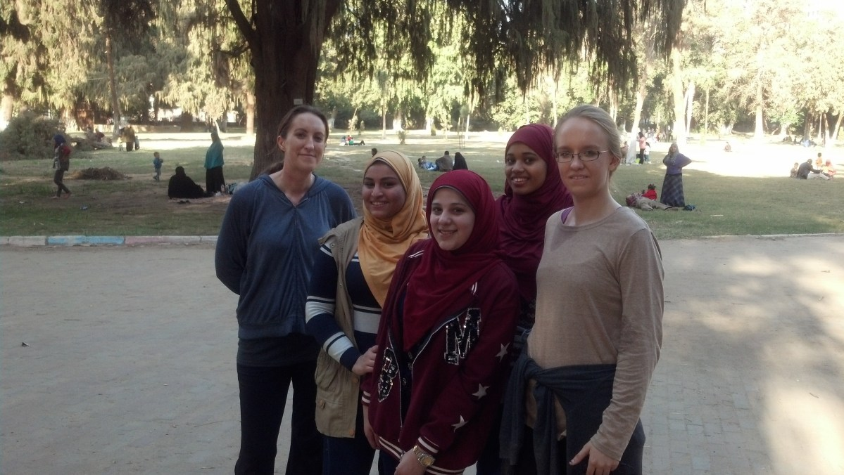 Egypt Tourism: Lydian Practicing Arabic with an Arabic College Student