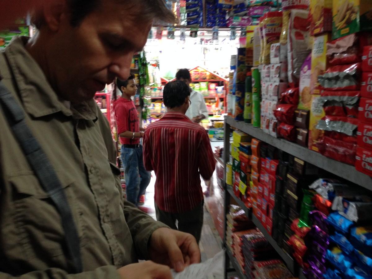 Delhi: The Granary and Food Vendors in High-Class Neighborhood