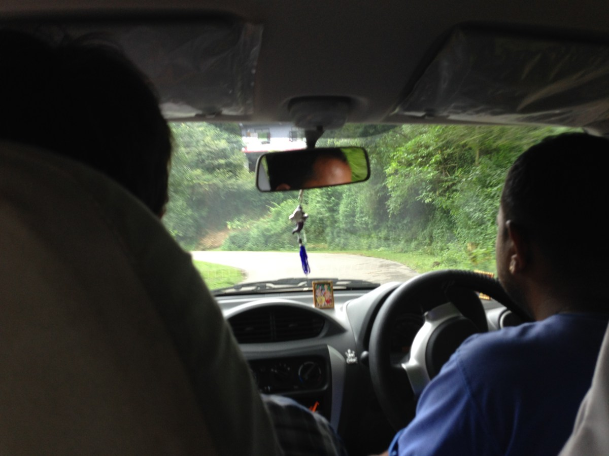 Kangra Airport: Dharamshala to Mcleodganj Taxi Ride up the Mountain