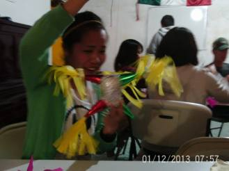 Making Pinatas Escuela Falcon Guanajuato Mexico 14