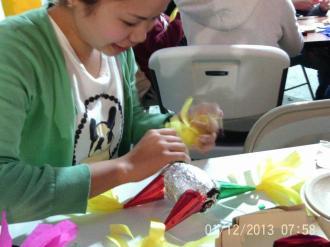 Making Pinatas Escuela Falcon Guanajuato Mexico 15