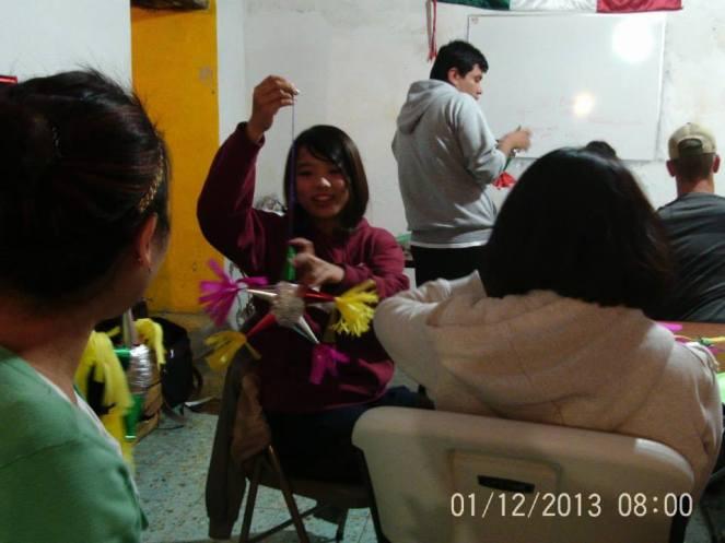 Making Pinatas Escuela Falcon Guanajuato Mexico 23