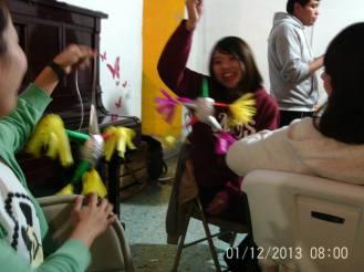 Making Pinatas Escuela Falcon Guanajuato Mexico 24