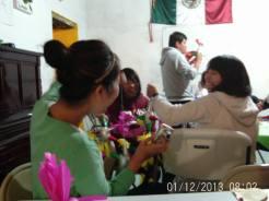 Making Pinatas Escuela Falcon Guanajuato Mexico 31
