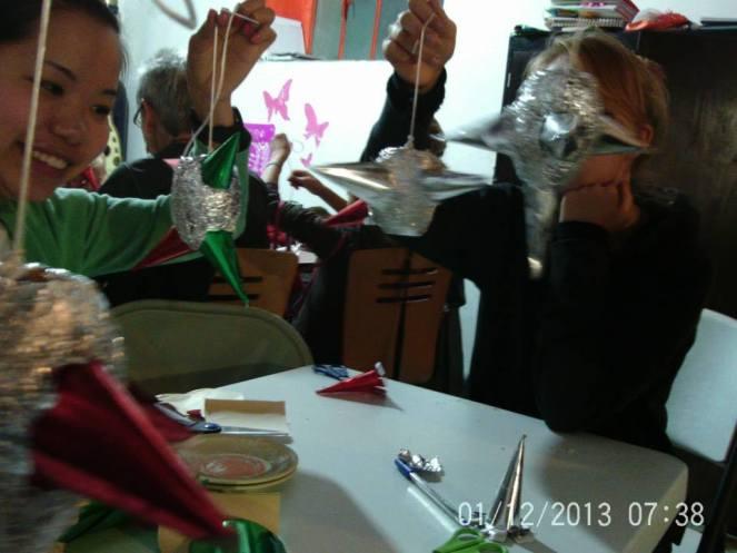 Making Pinatas Escuela Falcon Guanajuato Mexico 9