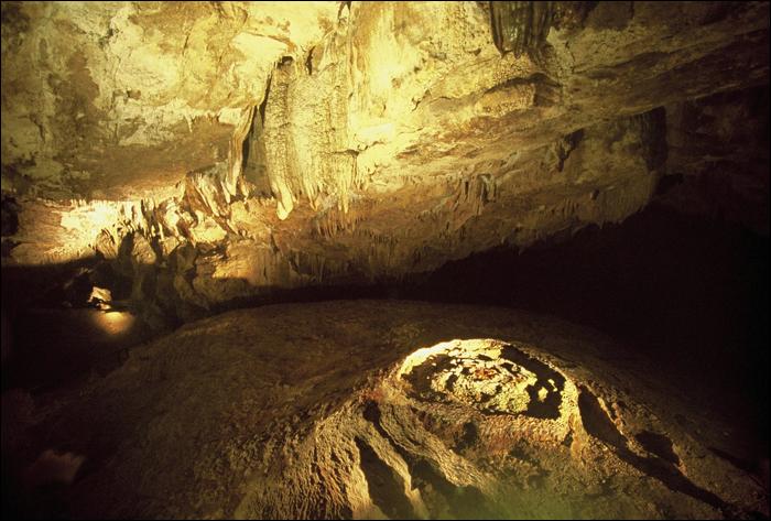 """PRAWIE jak w """"Raju"""" / ALMOST like in Paradise Cave, Kielce, Poland"""