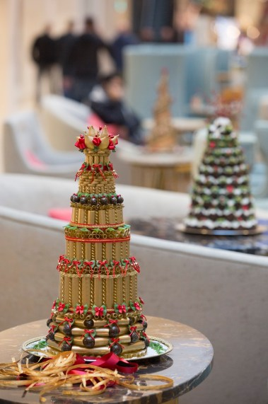 Ornate Christmas cakes at the Mailbox_2