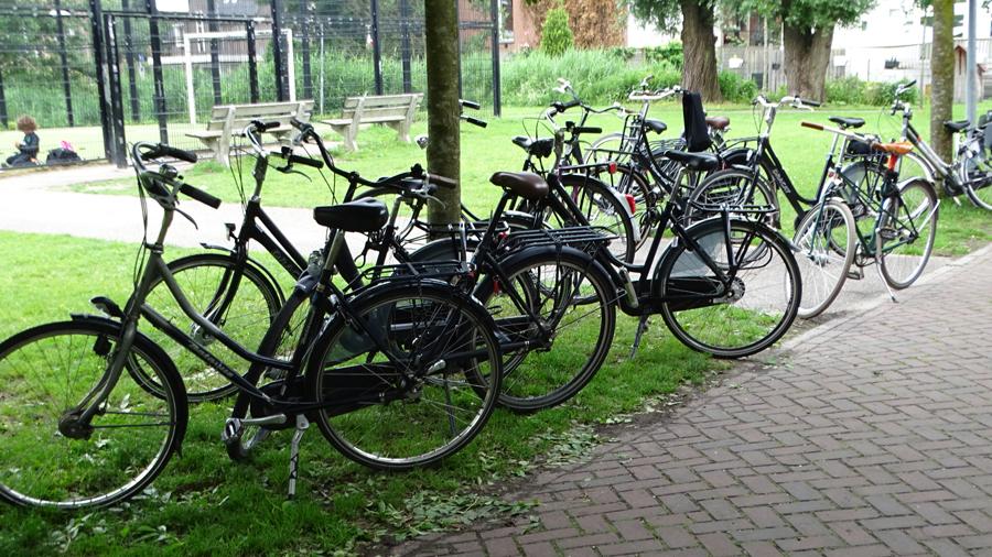'Virtuele fietspaden zijn niet voldoende om meer Brusselaars op de fiets te krijgen' (Knack.be)